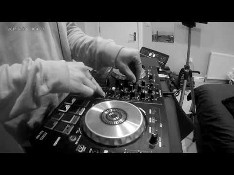 Ollie Marshall (Room Set) — Side Sound