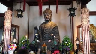 日本最古の「飛鳥大仏」の飛鳥寺へ。本尊飛鳥大仏(釈迦如来)は推古天...