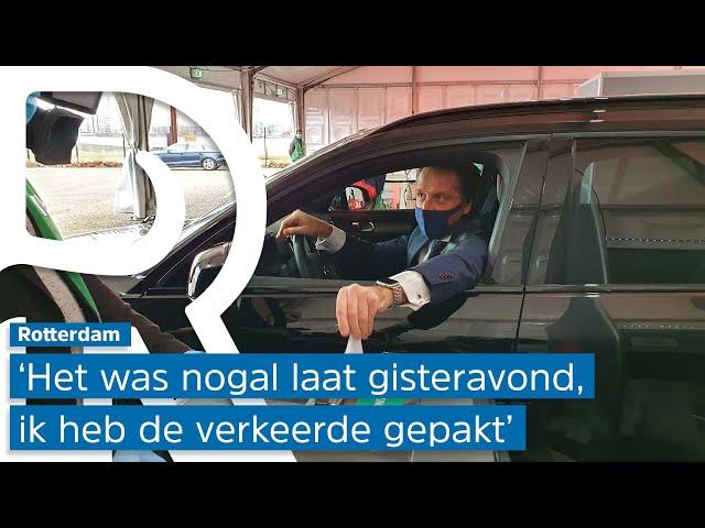 Hugo de Jonge neemt ongeldig paspoort mee naar stemstraat en wordt naar huis gestuurd