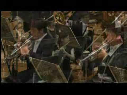 Joe Hisaishi Live performance - Howl Moving Castle Main them
