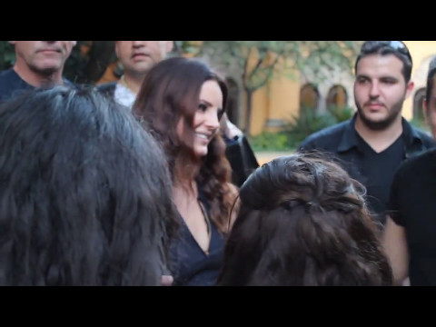 Lana Del Rey Cutest Moments With Fans/Paparazzi