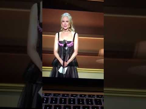 Nicole Kidman glamour women of the year award