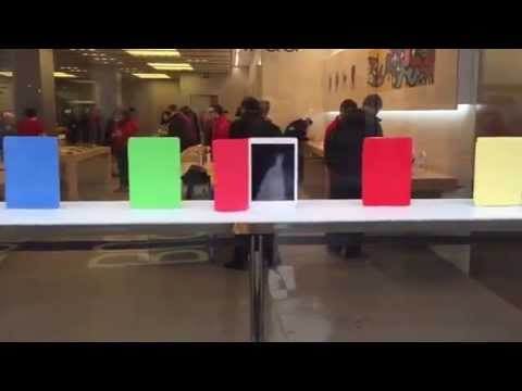 Apple showcases iPad with creative Smart Cover storefront display at Apple Store