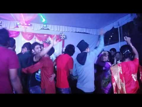 Bangladdeshi DJ party after Drunk (মদ খাইয়া নাচে নাকি লাফায় তা বোঝা সম্ভব না)