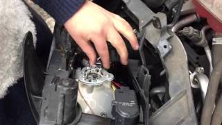 2006 Ford Focus Bulb Change