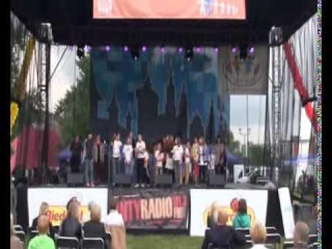 Saltrom - śpiew dzieci ze Świata Dziecka - Dzień Rodziny Krakowskiej 2013