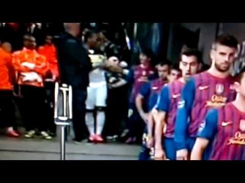 Barcellona-Chelsea 2-2 Drogba a Messi Batti un 5 [Il Gigante e la Pulce] 24-04-2012