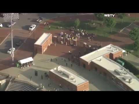 Gaby Calderon - Varios Muertos y Heridos en Tiroteo en Universidad de North Carolina