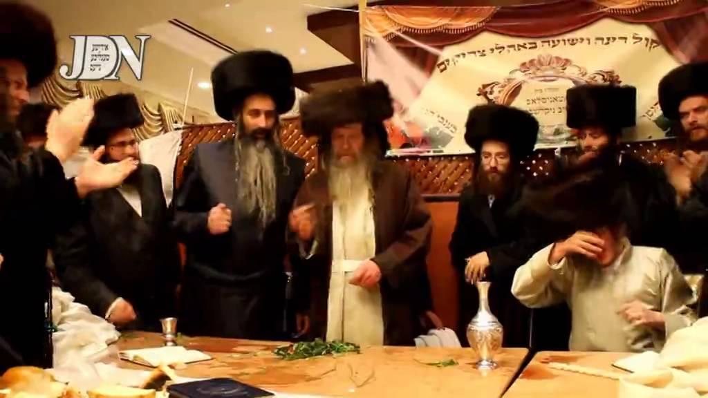 Lelov Nikolsburg Rebbe Throwing Towels @ A Newly Wed After Making Havdalah