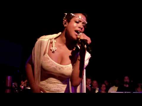 Kelis - 4th Of July (Live At Santos Party House)