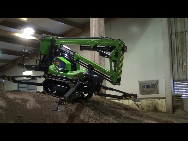 Leguan Lifts in action: L135 at Dynaset Offroad Arena (2014)