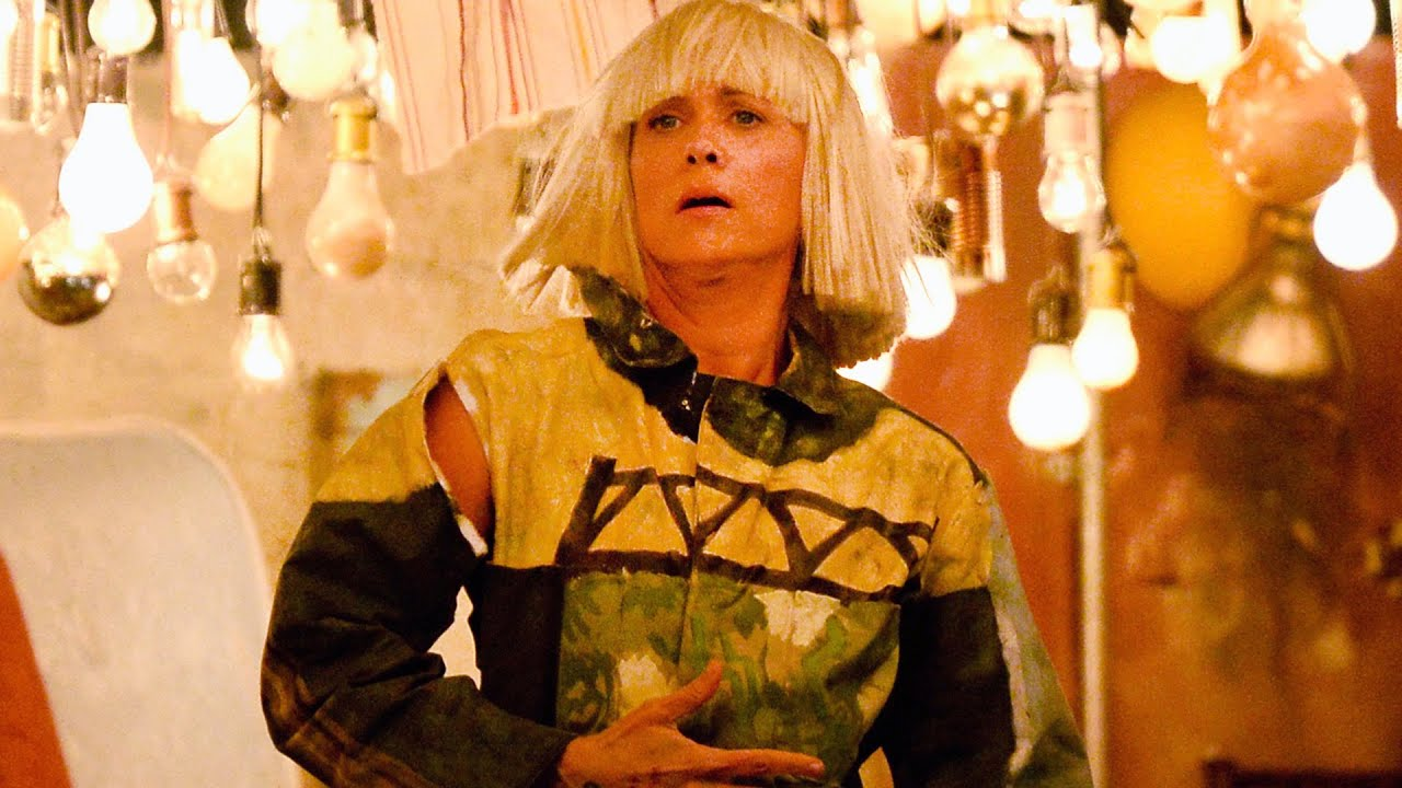 Sia\'s \'Chandelier\' 2015 Grammys Performance With Kristen Wiig\'s ...