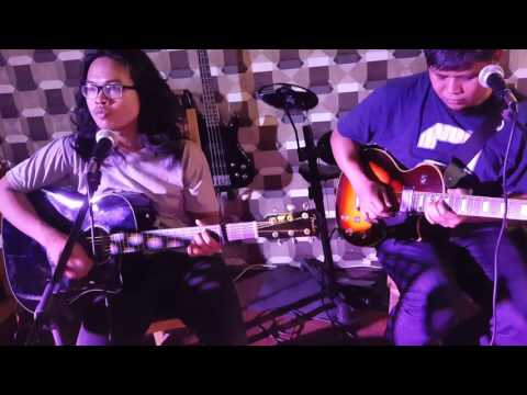 PURPLE RAIN Cover By Hijria & Rushdy At HONEYBEE CAFE Balikpapan, Indonesia