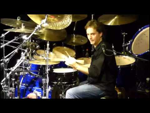Todd Sucherman-Paradiddle between thumb and first finger at clinic