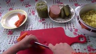Домашний салат оливье с колбасой