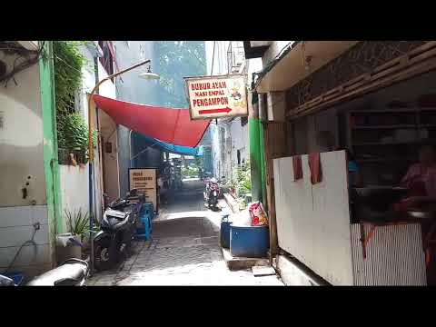 NASI KUNING SURABAYA JUALANNYA DI UJUNG GANG PENGAMPON 2 - INDONESIAN STREET FOOD