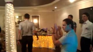 Танец  на свадьбу в подарок невесте от жениха с друзьями