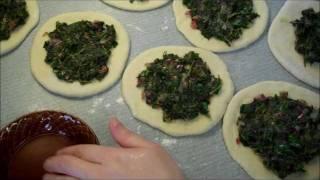 Spinach Fatayer - فطير  السبانخ thumbnail