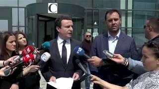 Kurti e Konjufca dorëzojnë kallëzim penal për Thaçin e Veselin, për dëshmi të rrejshme nën betim