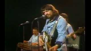 WAYLON JENNINGS - THE TAKER / WE HAD IT ALL (Live In TX 1975)