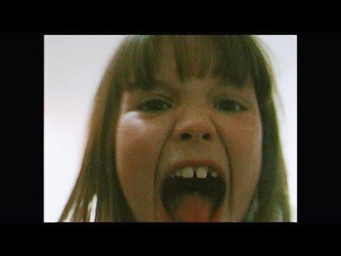 Смотреть клип Angèle - Flou
