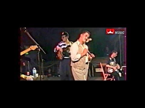 Cheb Hasni - Ma Nssiteha (Live en France)