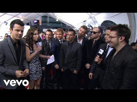 New Kids On The Block, Backstreet Boys - 2010 Red Carpet Interview (American Music Awards)