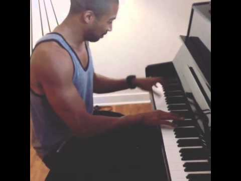 Charles Michael Davis TheOriginals Piano man!