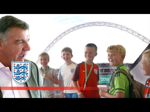 Sam Allardyce pranks 5 kids at Wembley Stadium | Inside Access