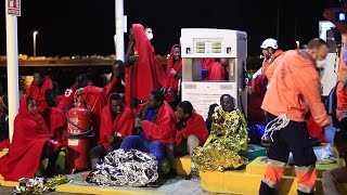 Salvamento Marítimo rescata a 55 personas de una patera