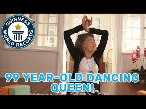 Profesora de yoga a los 100 años.