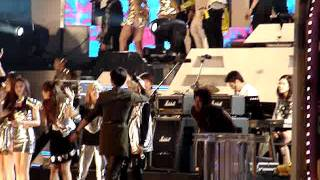 [Fancam] 20112805 Dream Concert: TVXQ, SHINee wave  goodbye