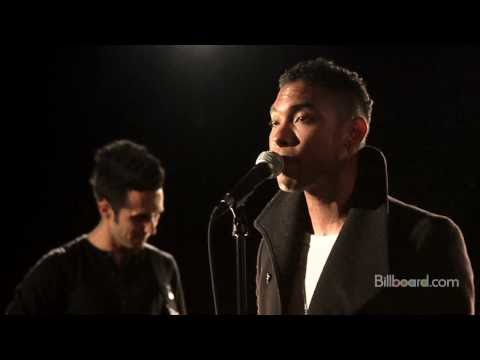 "Miguel - ""Sure Thing"" LIVE"