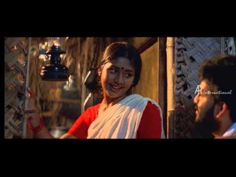 Aarum Aarum Kaanathe Lyrics - ആരും ആരും  കാണാതെ