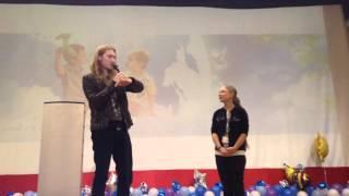 Александр Иванов провел урок вокала для детей фонда