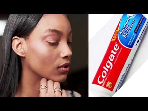 ...Appliquer le dentifrice sur le visage Miracle inédit : finis les Taches...