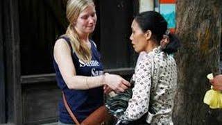 Nữ du khách nước ngoài bị cướp chém ở TP.HCM