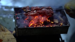 how to BBQ beef with a mini aluminum tool box found in a junk yard