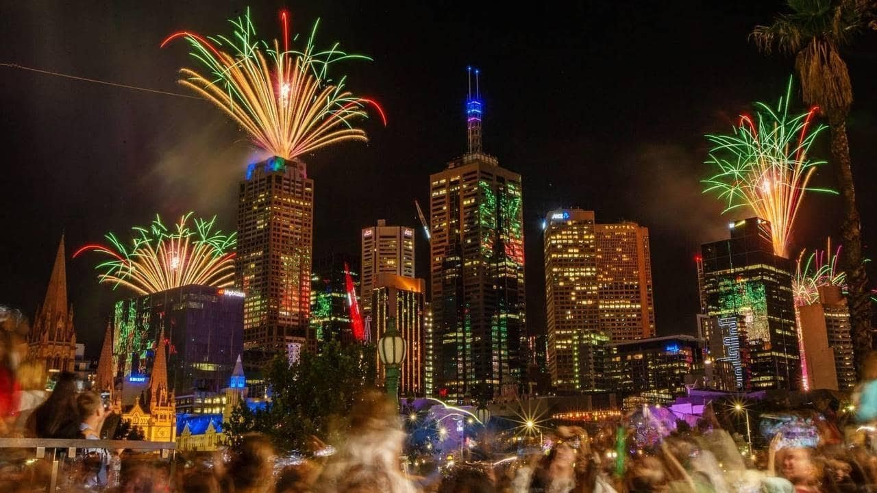Melbourne New Year's Fireworks 2019 Australia - YouTube