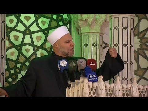 شاهد بالفيديو إمام المسجد الأموي: لا نخاف التهديد الأمريكي نحن أسود هذا الوطن…  - 18:22-2018 / 4 / 13