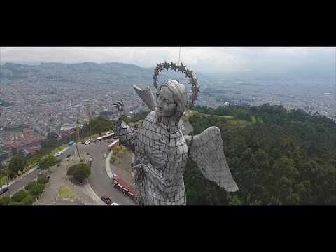 Quito, Ecuador ( 4K Panesillo)