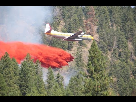 BC Forestry Tankers & Helicopters Battling Forest Fire in Peachland