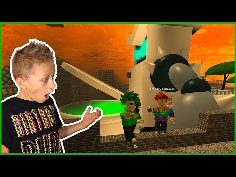 Giant Toilet is CHASING ME in Professor's Poopypants OBBY ft. FREDDY