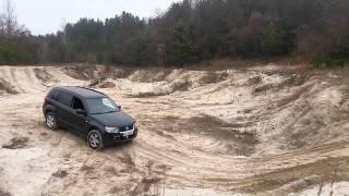 Suzuki Grand Vitara - песчаный карьер