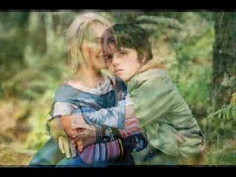 Love Story Of Josh Hutcherson & AnnaSophia Robb (Bridge To ...
