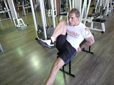 Exercice de musculation abdos bas : relevé de genoux au ...