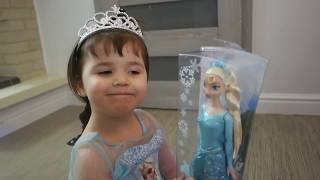 Kids Opening Presents Biggest Surprise with toys FROZEN CARS McQueen  TRAIN THOMAS and Ford