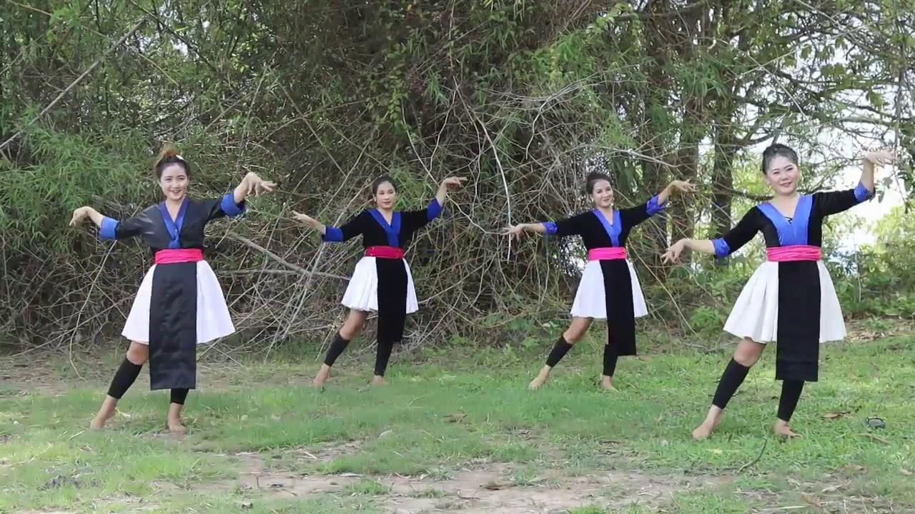 UA CAS XYOO NO(Dancer) nkauj hmoob av liab