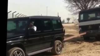 Принц Дубая на gelandewagen вытащил грузовик