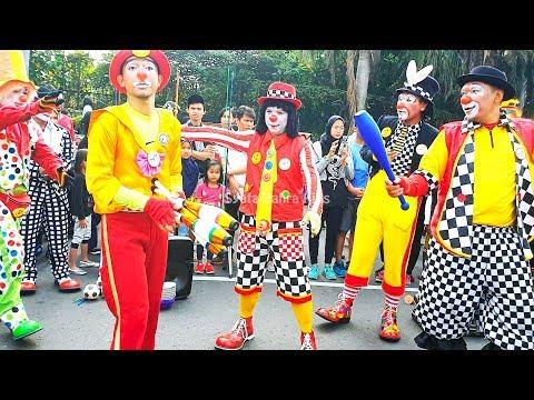 Badut Ulang Tahun Menghibur Di CFD Jakarta